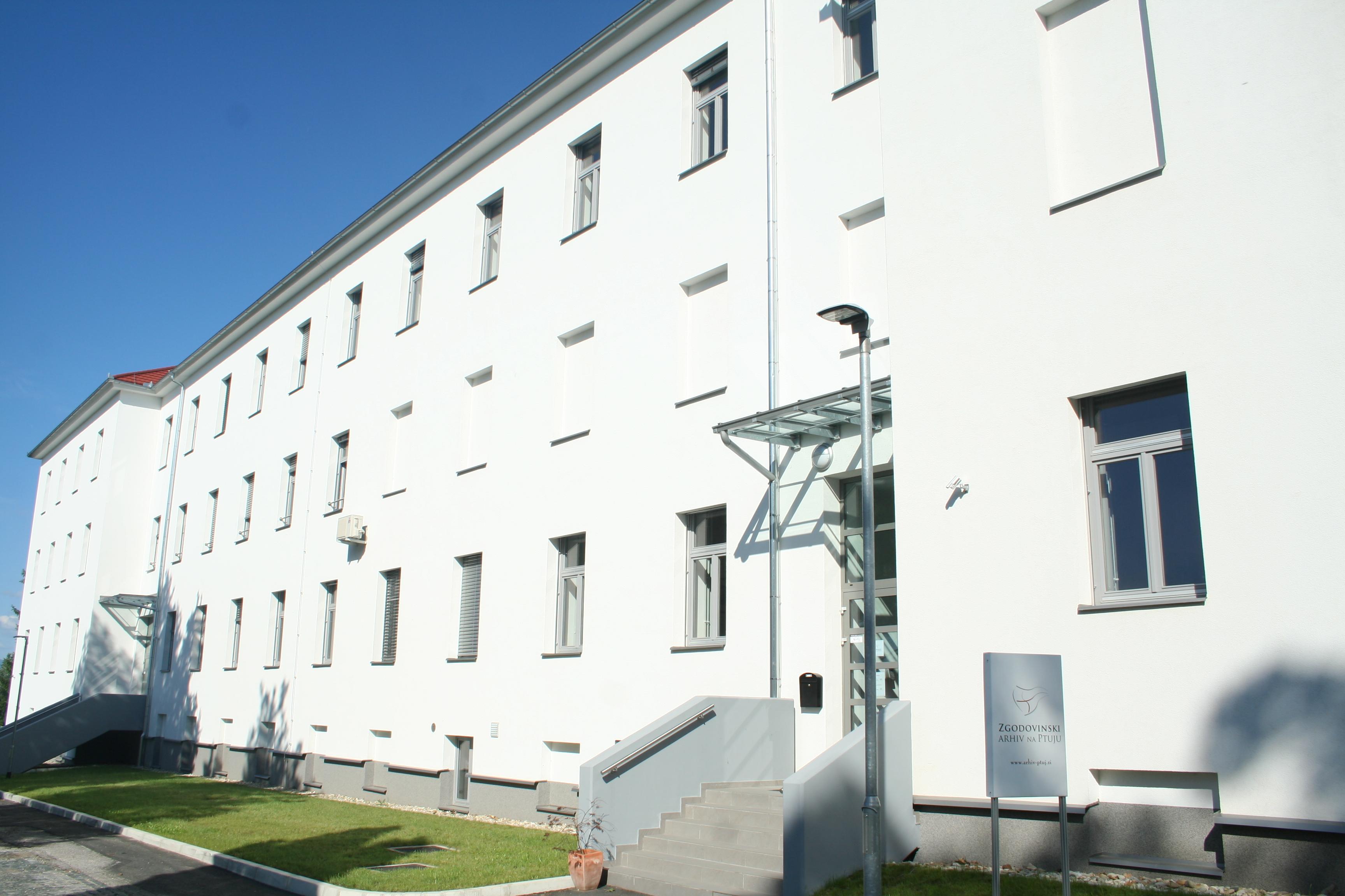 Fotografija stavbe Zgodovinskega arhiva na Ptuju